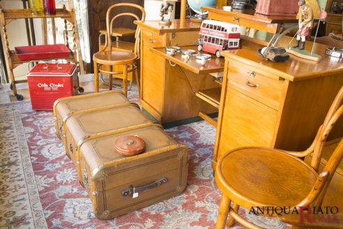 Mobili ed oggetti vintage a Roma
